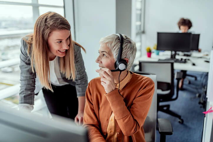 call center employees capture tacit knowledge in conversation